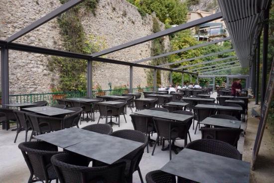 La terrasse du restaurant la cascade photo de la for Restaurant la cascade