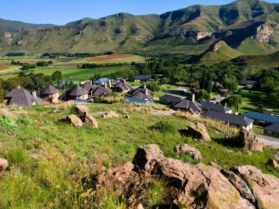 Kiara Lodge: Nestled on the rolling hills of the Maluti Mountains