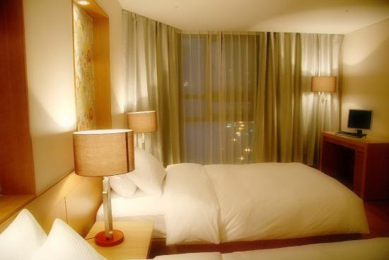 Sunset Business Hotel: Deluxe twin room