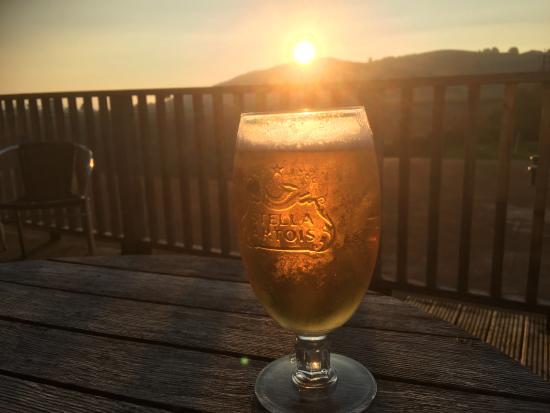 Marton, UK: Great sunsets avec beverage