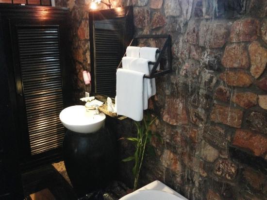 Petit Villa Boutique & Spa: Salle de bain de la chambre No.3