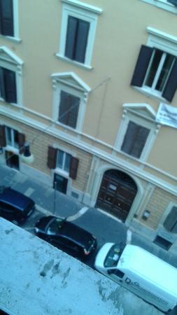 Hotel Castelfidardo : Looking down from room