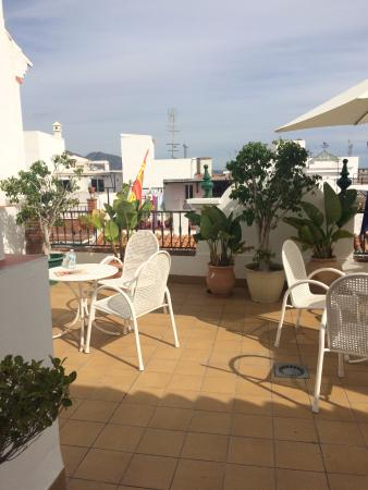 Easy Nerja Hostel: Lovely terrace