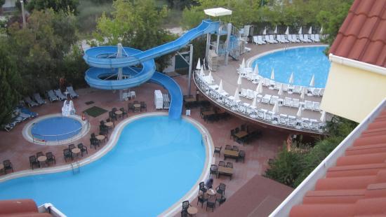 Dosi Hotel: Havuzlar