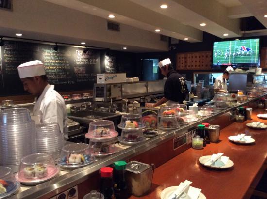 お店の様子 Picture Of East Japanese Restaurant New York