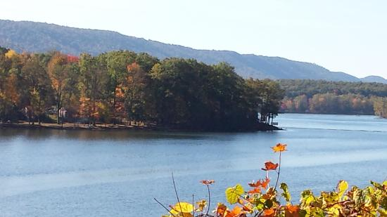 Lake Raystown Resort, an RVC Outdoor Destination: View of the peninsula where the villas are located.