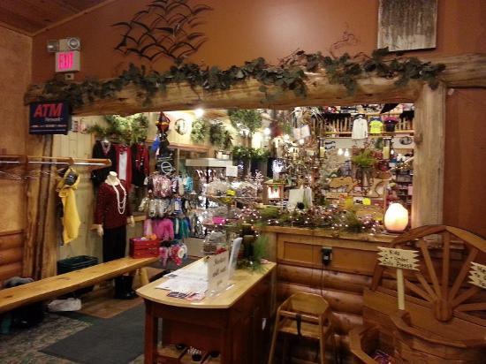 Pine Peaks Restaurant & Gifts: Pine Peaks