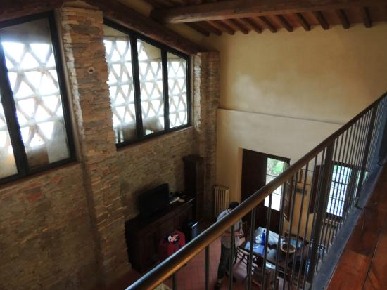 Monsignor Della Casa Country Resort & Spa: Looking down into the living room
