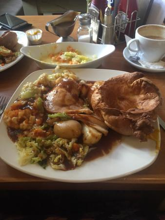 The George Hotel Chepstow: Yummy yummy in our tummy X