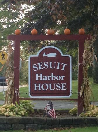 Sesuit Harbor House : photo1.jpg