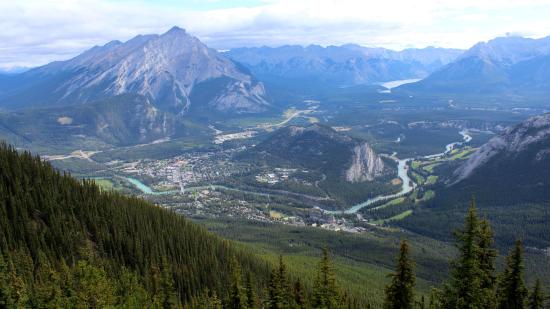 Meatball Pizza and Pasta: Blick vom Sulphur Mountain