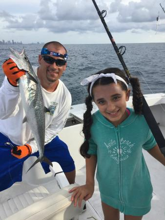 Outcast charter fishing miami beach 2017 ce qu 39 il for Outcast fishing charters
