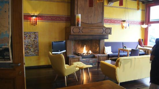 Hotel Salvators: Fireplace