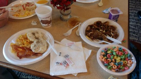 Comfort Suites Webster : Such a huge and delicious breakfast!