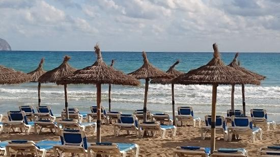 Hotel Sa Roqueta : Strand