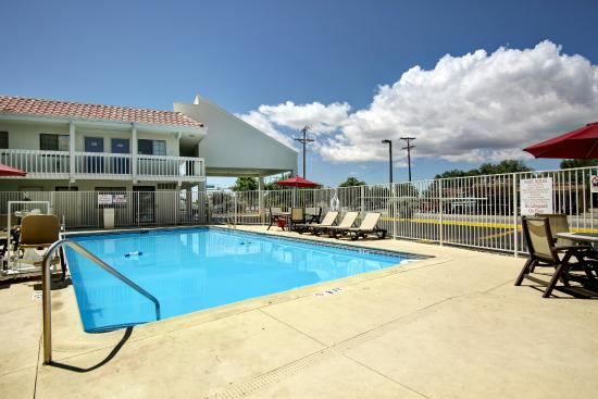 Motel 6 Santa Fe - Cerrillos Road South: Pool