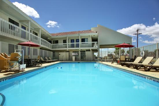 Motel 6 Santa Fe - Cerrillos Road South: Pool