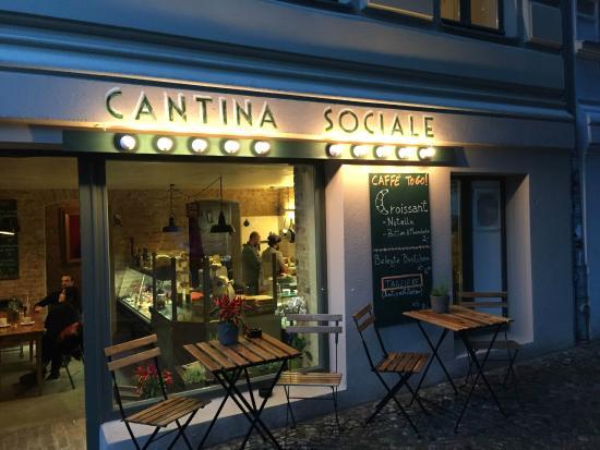 Gastronomia Italiana Enoteca Salumeria Bild Von Cantina Sociale