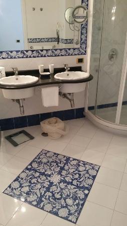 Casa Morgano: Banheiro quarto 302