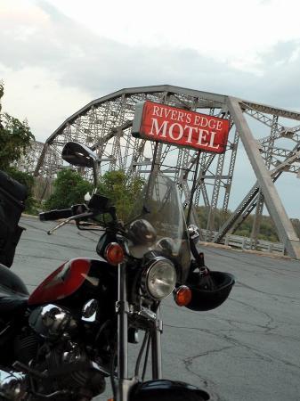 Louisiana, MO: photo0.jpg