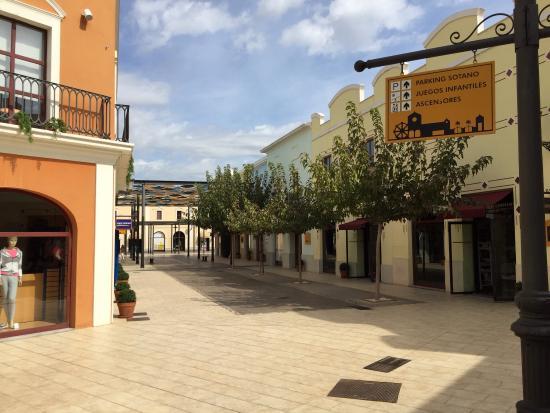 Foto de Parque Comercial La Noria Murcia Outlet Shopping 3df4860bbc4b3