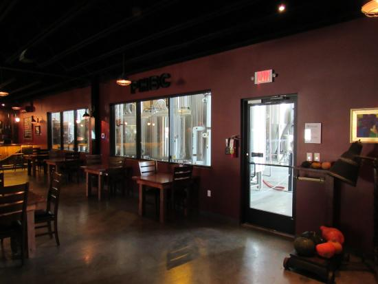 The Public House Brewing Company: Interior2