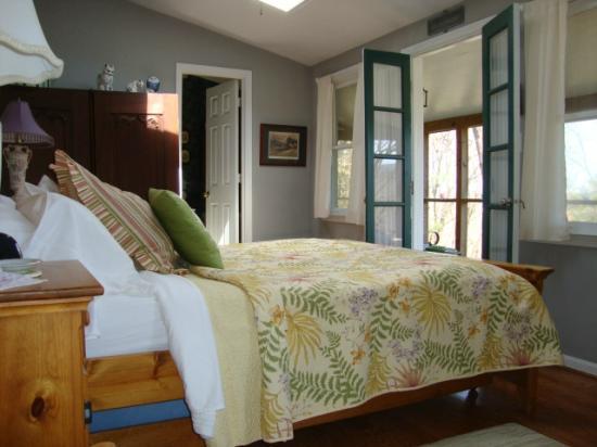 New Market, VA: Master Bedroom