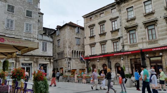 Beach Front Apartments Tamaris: Split old town