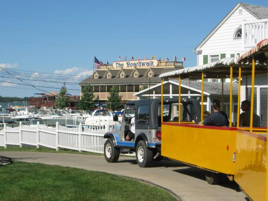 ‪Put-In-Bay Tour Train‬