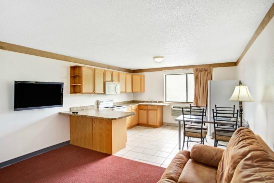 "Days Inn Clearfield: Apartment Suite - Kitchen - Sofa Sleeper - 42"" TV"