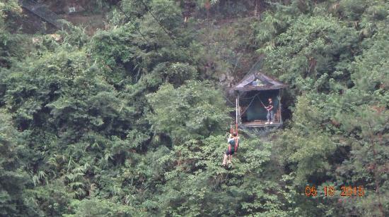 Panlong Paradise Resort: Zip wire