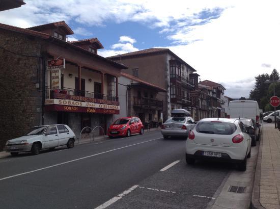 Alceda, Hiszpania: Rosi , Luca , Olmo los mejores sobaos y quesadas