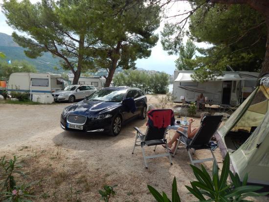 Camping Stobrec: A few feet from the beach.