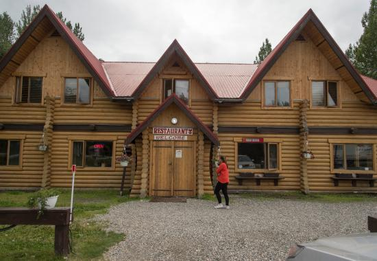Liard Hot Springs Lodge: liard Hotsprings Lodge