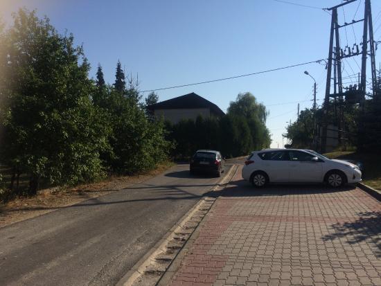 Kalwaria Zebrzydowska, Πολωνία: Parking przy hotelu