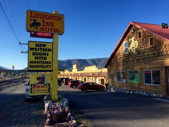 Livingston Inn Motel : Motel entrance