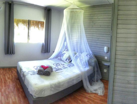 Moorea Fare Miti : Moana Bungalow - Bedroom