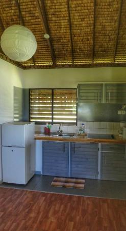 Moorea Fare Miti : Moana Bungalow - Kitchen