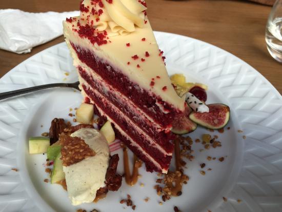 Rachel's Pont aux Choux: Red velvet cake