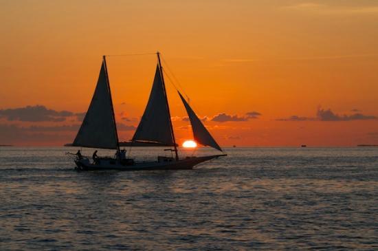 """Résultat de recherche d'images pour """"soleil couchant sur la mer"""""""