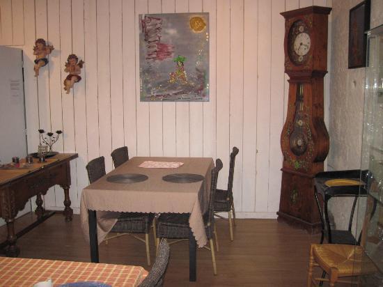 Saint-Georges-sur-Cher, Prancis: Salle du petit déjeuner