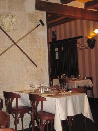 Les Tuffeaux : Salle restaurant