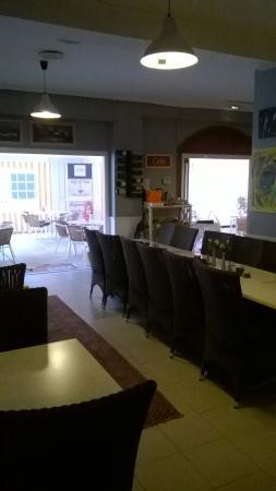 Restaurante cafe la vida en fuengirola con cocina otras - Cocinas fuengirola ...
