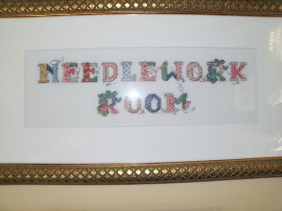 Perry, IA: Needlework room
