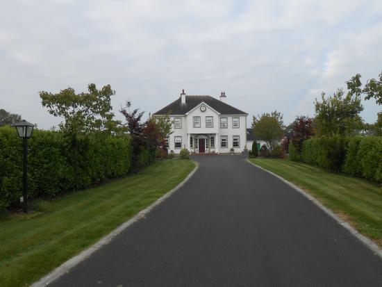 Auffahrt zum Grennan's Country House