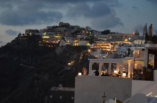 Archipelagos Restaurant: View of Fira