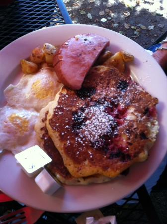 Hollis Country Kitchen Pancakes