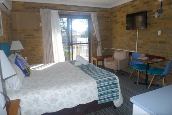 Hawks Nest Motel: chambre