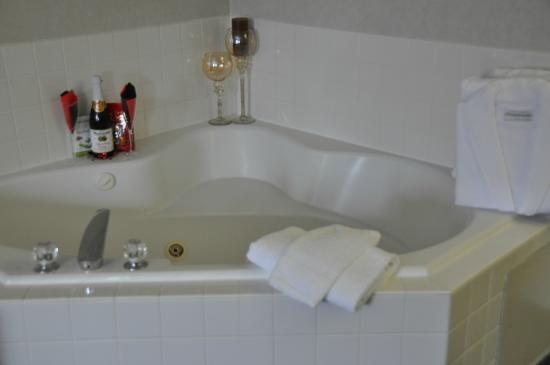 BEST WESTERN Sandy Inn: King room with whirlpool