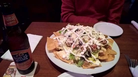 Rattlesnake Bar: Shredded chicken nachos